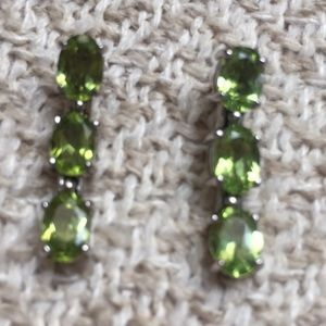 Jewelry - Lovely sterling and three peridot drop earrings❣️
